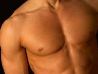 MuscleAss: Live Cam Show