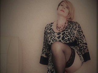 I Am A Blonde, I'm A Camming Graceful Chick And People Call Me IvettaShine, I'm 44 Yrs Old, I Am From Prague