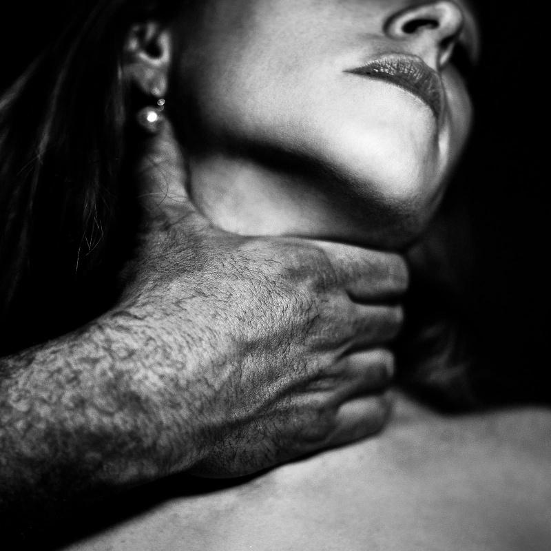 смотрел меня фото сексуального и жесткого секса голоском
