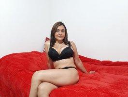 секс с kiara-liendo