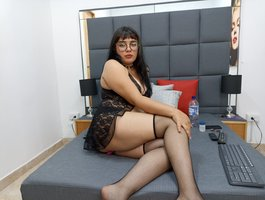 секс с Agatha-Ruiz